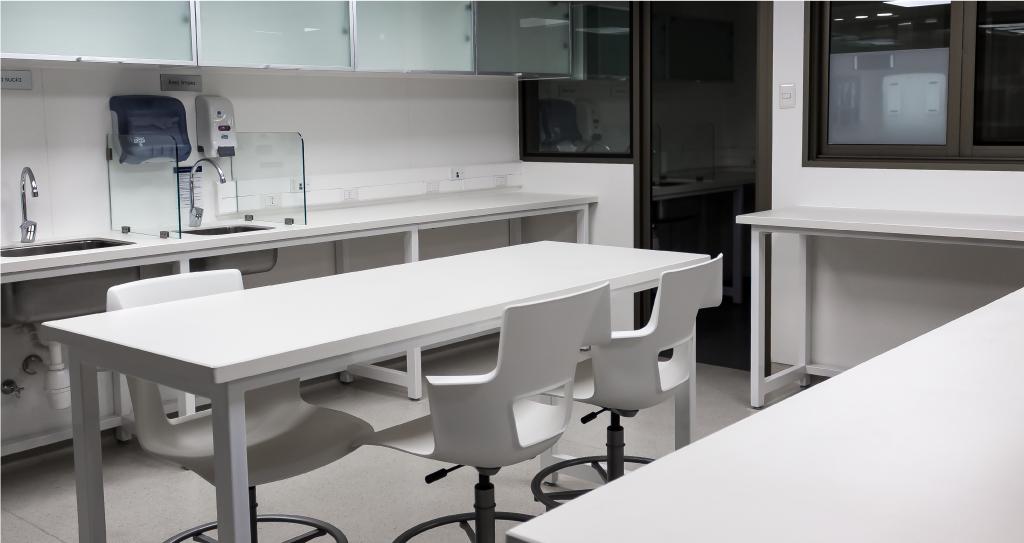 Mobiliario clinico en HPL sobec