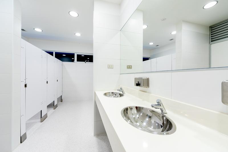 imagen division baños fenolico sysprotec