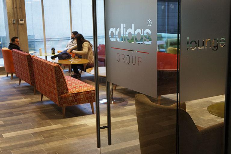 Brainworks en Oficina y Casino de Adidas
