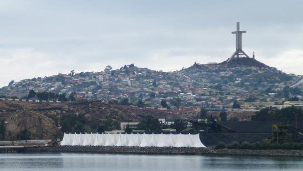 Cortina eólica tensoestructurada para CAP en Coquimbo - Domos.com