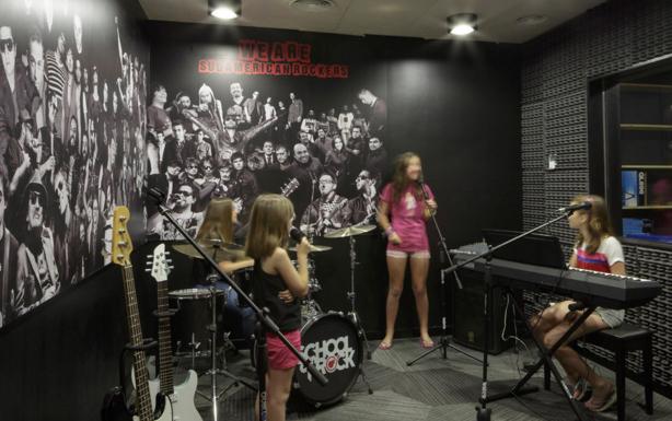 Fonoabsorbentes en la School of Rock