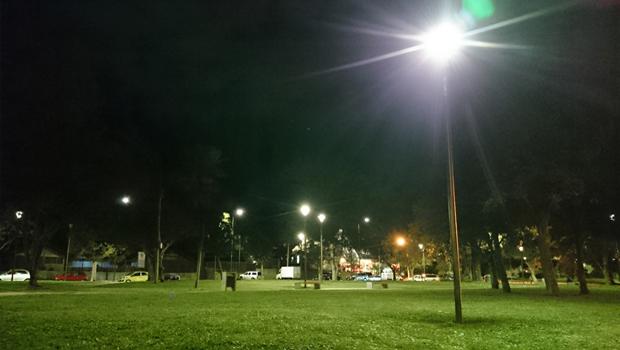 Iluminación LED se toma parques y avenidas de Concepción