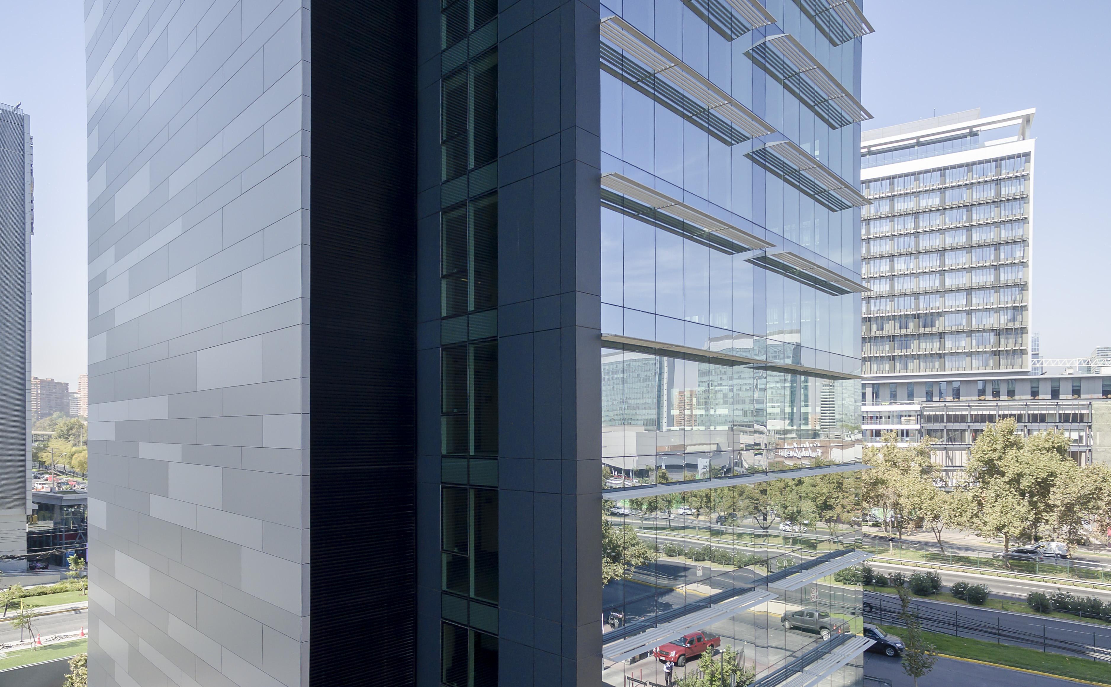 Meteon® de Trespa en Edificio Kennedy Plaza