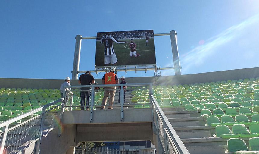Pantalla LED en el Estadio Elias Figueroa Brander