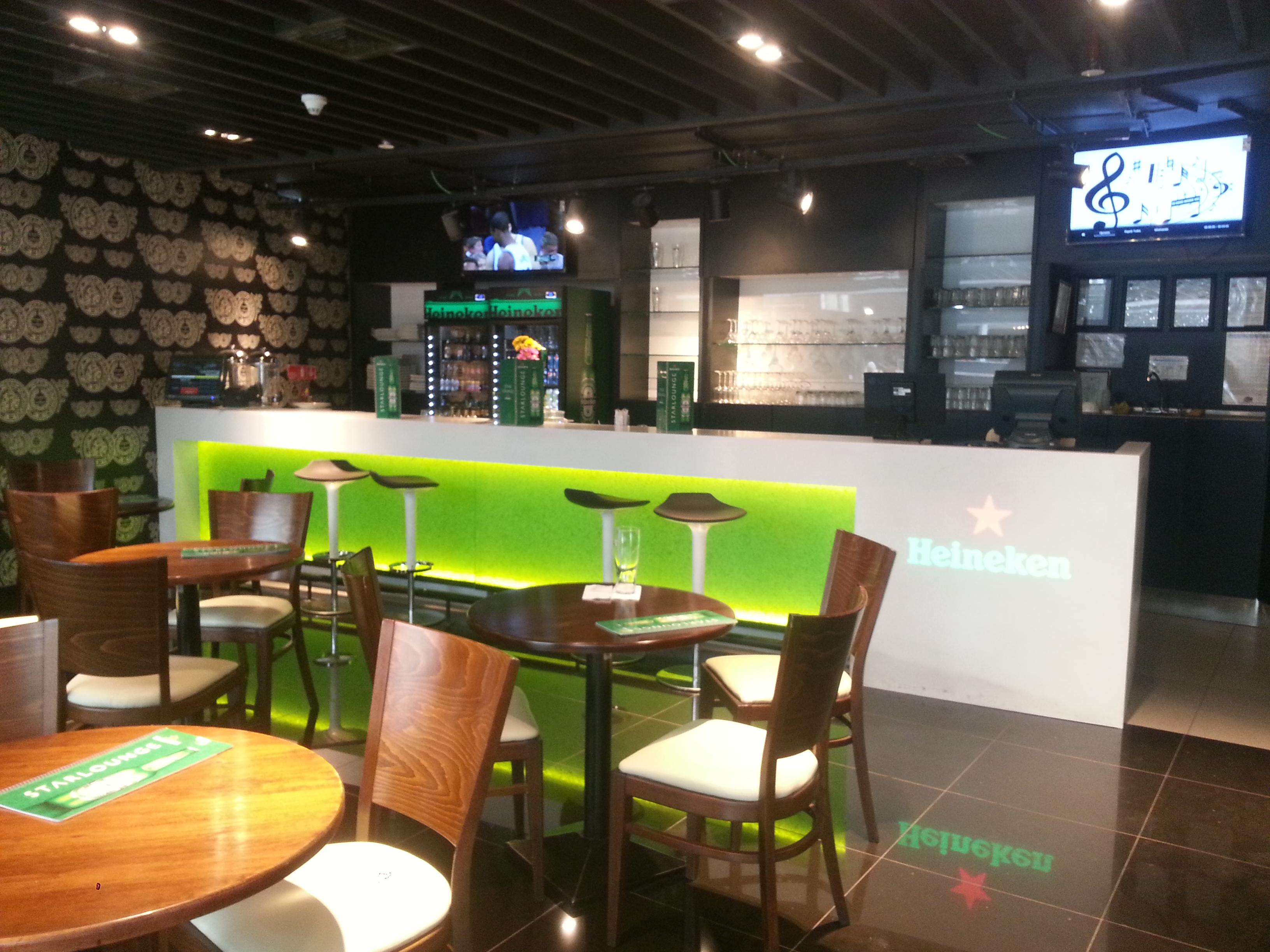 Superficie Staron® en Starlounge Heineken Aeropuerto