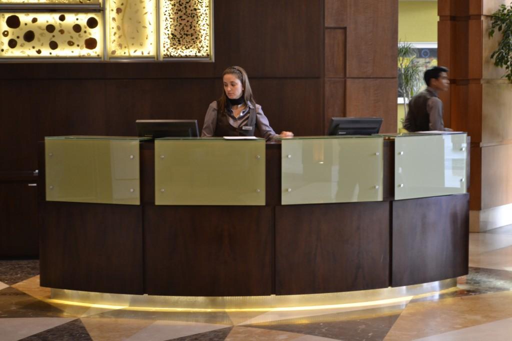 Superficies Staron para Hoteles y Bares