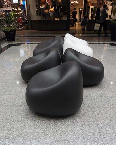 Zonas de descanso en Alto las Condes con mobiliario Brainworks
