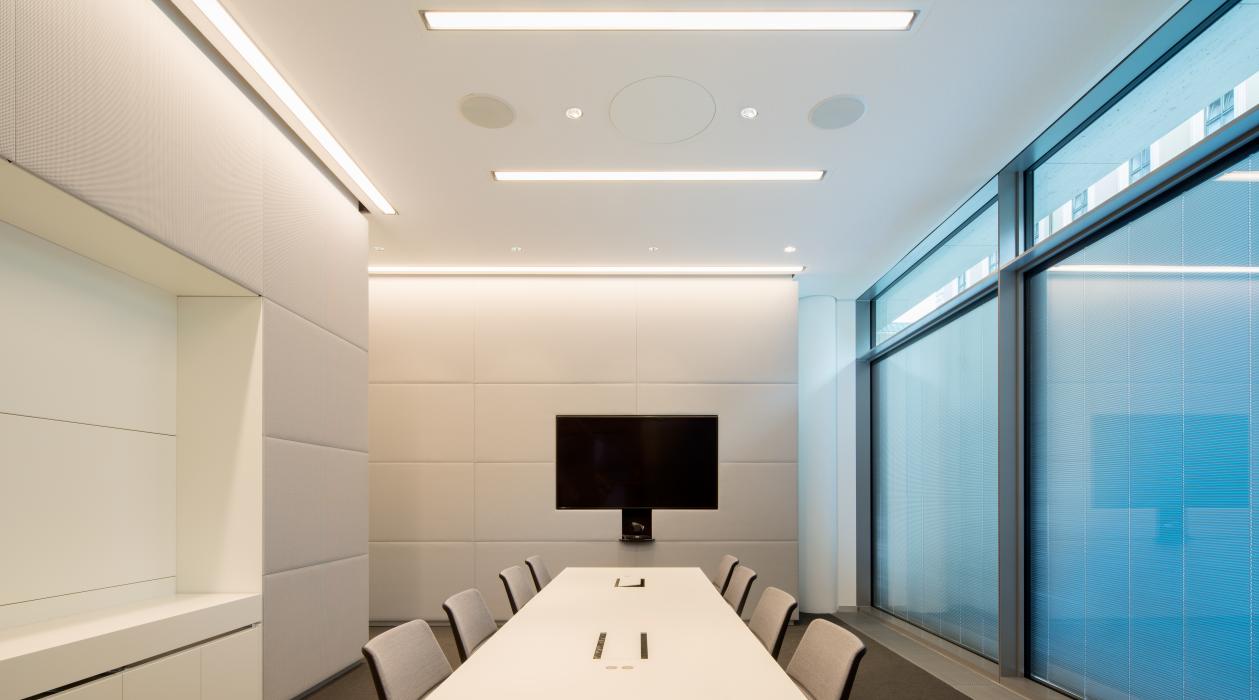 Iluminación para cada espacio de una oficina