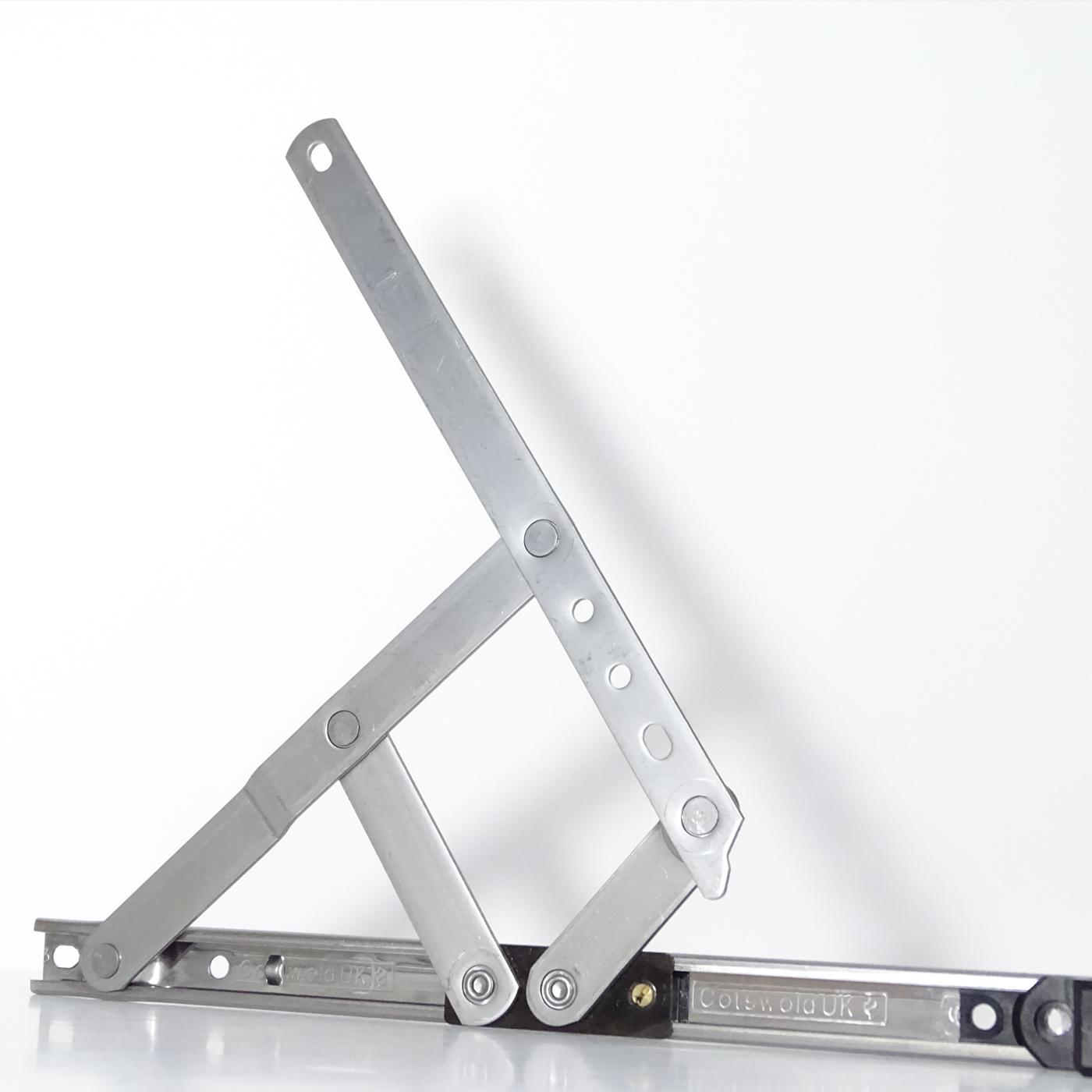Cotswold | Brazos de proyección y accesorios de fricción